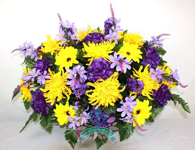 Yellow Daisies with Spider Mums Tombstone Saddle